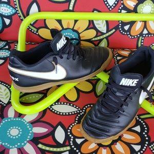 Nike indoors
